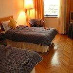 Saubere, grosse Zimmer