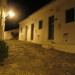 Straßen in Aldeia da Pedralva bei Nacht