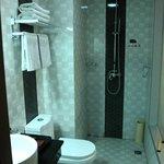 Basic bath with slippery floor tiles