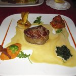 "Angus beef fillet with ""foie gras"" sauce, potatoes au gratin"