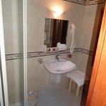 Chambre 24a - Cabinet de toilette