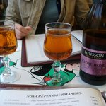 Cidre-ecusson.com, produce of Normandy - goes well with the sweet crepes.