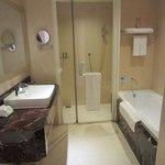 excelent bathroom