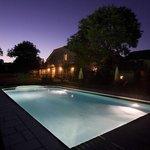 La piscine de nuit - La Vayssade