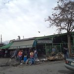 Santiago de Chile. Persa Bío-Bío. Calle San Isidro.
