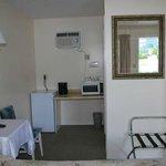 Queen guest room - sitting area