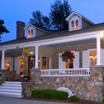 Foto de 1837 Cobblestone Cottage Bed and Breakfast