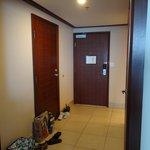 Spacious entryway