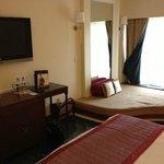 ITC Mughal - chambre (sofa par terre sent mauvais)