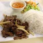 Beef with garlic and vermicelli