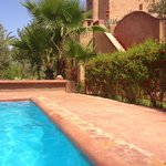 Vue de notre kasbah (chambre tafoukt) de la piscine