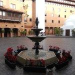 Plaza central del hotel