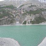 Il lago davanti al locale