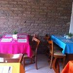 Alegres mesas y ambiente familiar