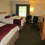 2 queen-bed room interior