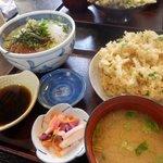 海鮮丼(天ぷら付き)
