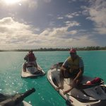 Turquois water all around druing the jet ski experience