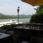 Ausblick von der Terrasse in Richtung Drachenfels