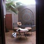 il cortile secondario, sul quale si affaccia la camera Loubna.