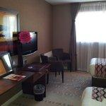 Superior twin room - desk space