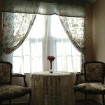 Sitting area in the Elizabeth Suite