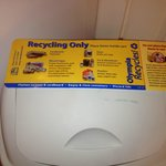 Yes we expect our guests to recycle at Short Stay!