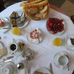 le petit déjeuner ( vue partielle)