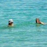 Море чистейшее и теплое.