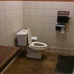 Kæmpe badeværelse.