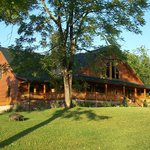 Glade Valley B&B - Beautifully situated in the Blue Ridge Mountains