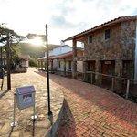 Plaza del Hotel y calle, El Pueblito Resort