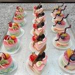 Sahnetörtchen in unterschiedlichen Geschmacksrichtungen | Café Riese