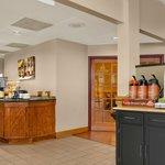 Riseand Dine Breakfast Area