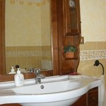 Bagno privato completo di cabina doccia