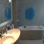 Twin sinks and deep tub/shower