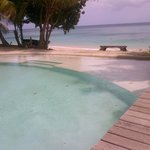 piscina sulla spiaggia