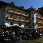 L'albergo con le moto posteggiate