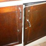 mueble de cocina en pésimas condiciones