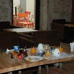 petit déjeuner inclus - breakfast included - desayuno incluido