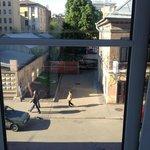 Vista do nosso quarto para a rua