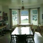 breakfast room in main house