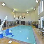 24 hr Swimming Pool