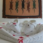 The talented maid leaves these adorable towel animals!