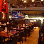 Brussels Grill Toison d'Or - Le bar et la cuisine ouverte