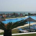 piscina desde terraza hotel