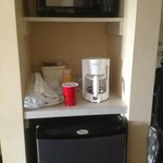Microwave,Fridge and coffeemaker There was old used tea bag inside the coffeemaker