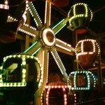 Spielestadt kl. Riesenrad.