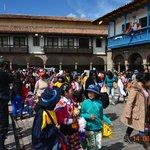Armas De Plaza Cusco