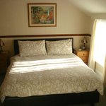 Lovely, spacious king size room 5 with balcony