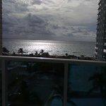 vista do quarto para o mar ao entardecer....lovely